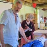 Une thérapie qui libère par le toucher la mémoire traumatique du corps et de l'esprit.